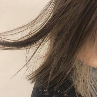 切りっぱなし ストレート ミディアム インナーカラー ヘアスタイルや髪型の写真・画像
