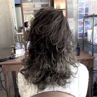 レイヤースタイル ストリート バレイヤージュ 個性的 ヘアスタイルや髪型の写真・画像
