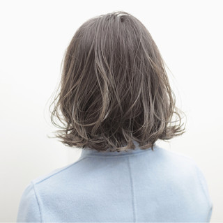 アッシュグレージュ グレージュ アッシュ グラデーションカラー ヘアスタイルや髪型の写真・画像