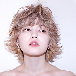 ウルフカット グラデーションカラー ハイトーン モード ヘアスタイルや髪型の写真・画像