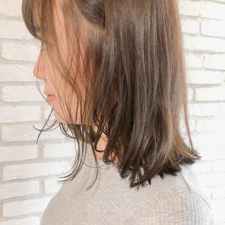 セミロング ハイライト デジタルパーマ ナチュラル ヘアスタイルや髪型の写真・画像