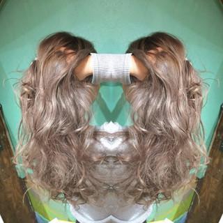 アッシュ ハイトーン 渋谷系 ミルクティー ヘアスタイルや髪型の写真・画像