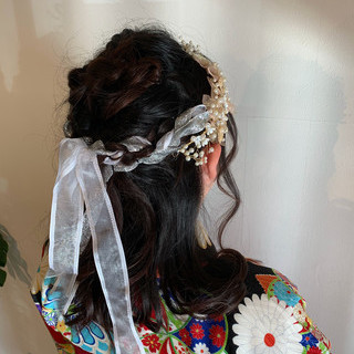 ガーリー 結婚式 セミロング ヘアアレンジ ヘアスタイルや髪型の写真・画像
