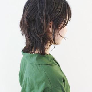 ウルフカット 地毛風カラー ストリート 暗髪 ヘアスタイルや髪型の写真・画像