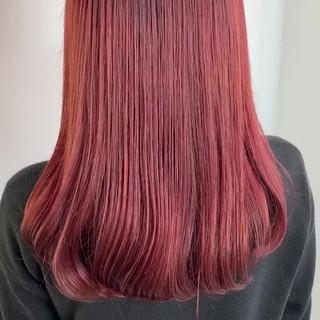 透明感カラー ブリーチオンカラー チェリーレッド 赤髪 ヘアスタイルや髪型の写真・画像