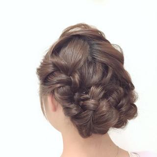 編み込み 結婚式 ヘアアレンジ フェミニン ヘアスタイルや髪型の写真・画像