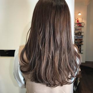 透明感カラー ナチュラル 360度どこからみても綺麗なロングヘア ロング ヘアスタイルや髪型の写真・画像