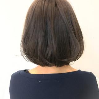 グレージュ ナチュラル アッシュ ダブルカラー ヘアスタイルや髪型の写真・画像