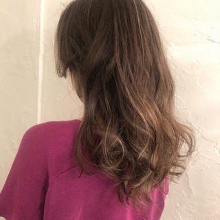 ロング 外国人風カラー オフィス エレガント ヘアスタイルや髪型の写真・画像