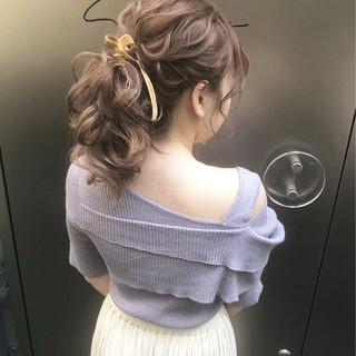 結婚式 ポニーテール セミロング ヘアアレンジ ヘアスタイルや髪型の写真・画像 ヘアスタイルや髪型の写真・画像