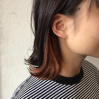 インナーカラーレッド カシスレッド インナーカラー フェミニン ヘアスタイルや髪型の写真・画像