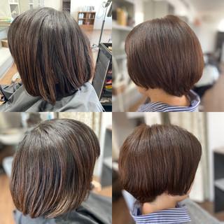 インナーカラー フェミニン ショートヘア ボブ ヘアスタイルや髪型の写真・画像