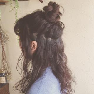 お団子 ルーズ ガーリー ハーフアップ ヘアスタイルや髪型の写真・画像