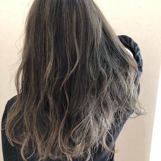 外国人風カラー ロング フェミニン ハイライト ヘアスタイルや髪型の写真・画像