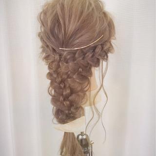 ルーズ 編み込み ヘアアレンジ パーティ ヘアスタイルや髪型の写真・画像