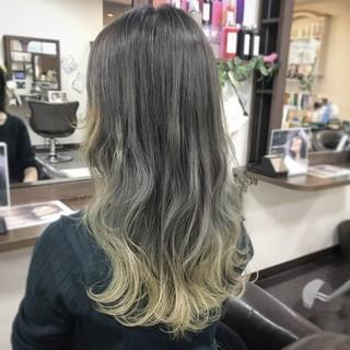 イエロー ダブルカラー ロング グラデーションカラー ヘアスタイルや髪型の写真・画像