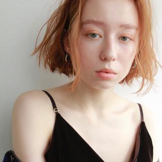 切りっぱなし オレンジ ルーズ ボブ ヘアスタイルや髪型の写真・画像