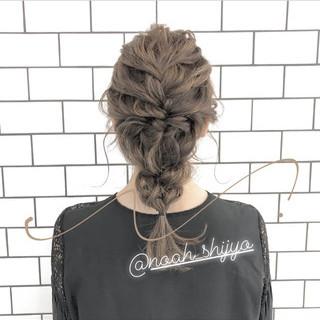 簡単ヘアアレンジ アンニュイほつれヘア 成人式 ナチュラル ヘアスタイルや髪型の写真・画像 ヘアスタイルや髪型の写真・画像
