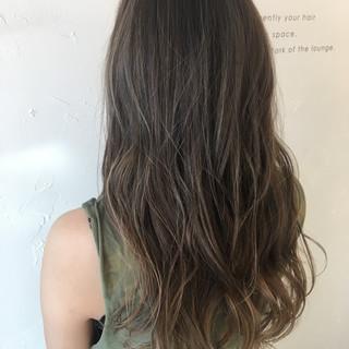 アウトドア 透明感 リラックス 女子会 ヘアスタイルや髪型の写真・画像