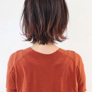 インナーカラー グラデーションカラー ブリーチカラー 赤髪 ヘアスタイルや髪型の写真・画像