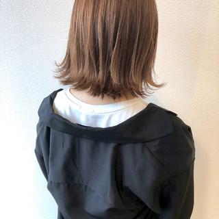 ナチュラル 秋冬スタイル 切りっぱなしボブ ボブ ヘアスタイルや髪型の写真・画像