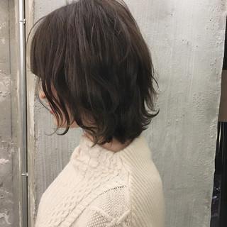 オフィス ショート 謝恩会 前髪あり ヘアスタイルや髪型の写真・画像