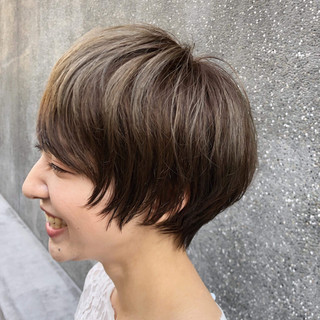 外国人風 ナチュラル 小顔 ショート ヘアスタイルや髪型の写真・画像