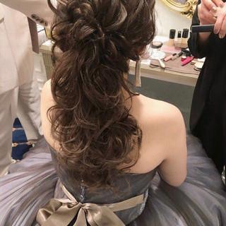 大人女子 結婚式 ウェーブ アンニュイ ヘアスタイルや髪型の写真・画像