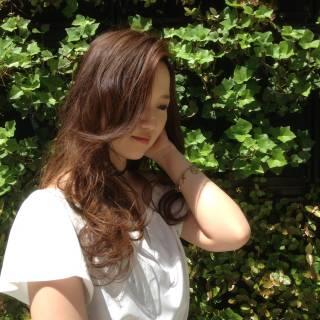 ゆるふわ かき上げ前髪 ロング ストリート ヘアスタイルや髪型の写真・画像