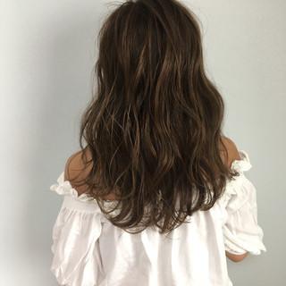外国人風カラー 透明感 フェミニン セミロング ヘアスタイルや髪型の写真・画像