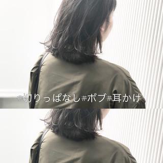アンニュイほつれヘア ストレート 前髪 アッシュ ヘアスタイルや髪型の写真・画像