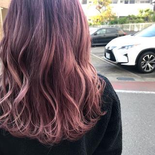 ロング ピンクアッシュ ラベンダーピンク ラベンダーアッシュ ヘアスタイルや髪型の写真・画像