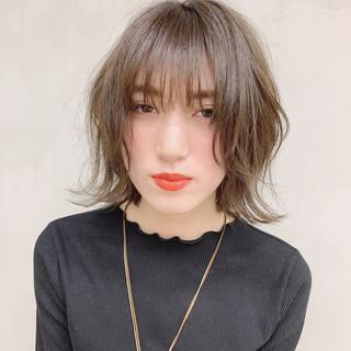ナチュラル 透明感カラー グレージュ ラベンダーグレージュ ヘアスタイルや髪型の写真・画像