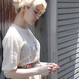 ホワイトブリーチ ブリーチカラー ナチュラル ハイトーン ヘアスタイルや髪型の写真・画像