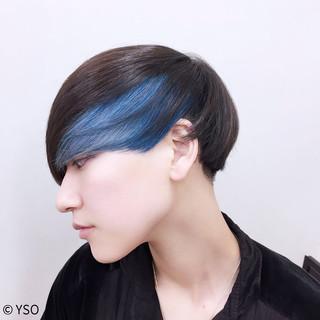 ショート マッシュ インナーカラー 暗髪 ヘアスタイルや髪型の写真・画像
