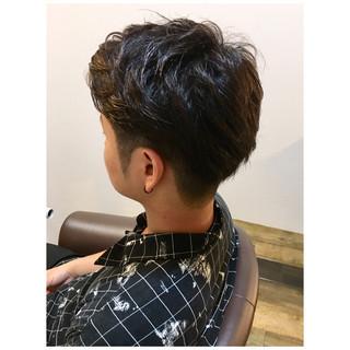 メンズカット 2ブロック ショート ナチュラル ヘアスタイルや髪型の写真・画像