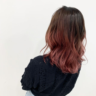 ブリーチ ピンクベージュ セミロング ピンク ヘアスタイルや髪型の写真・画像