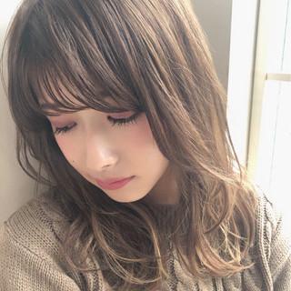 フェミニン 前髪あり ミディアム ゆるふわ ヘアスタイルや髪型の写真・画像