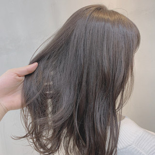 ハイライト ミディアム 透明感カラー グレージュ ヘアスタイルや髪型の写真・画像