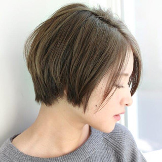 ストリート カーキ 小顔 こなれ感 ヘアスタイルや髪型の写真・画像