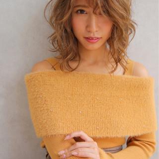 フェミニン ミディアム ヘアアレンジ デート ヘアスタイルや髪型の写真・画像