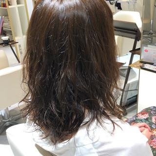 ナチュラル ゆるふわパーマ 巻き髪 毛先パーマ ヘアスタイルや髪型の写真・画像