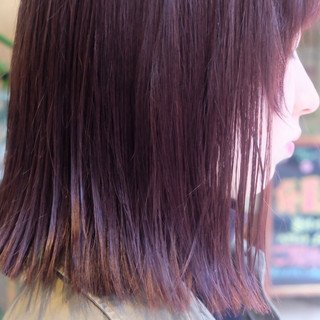 パープルカラー パープルアッシュ ラベンダーアッシュ 切りっぱなしボブ ヘアスタイルや髪型の写真・画像
