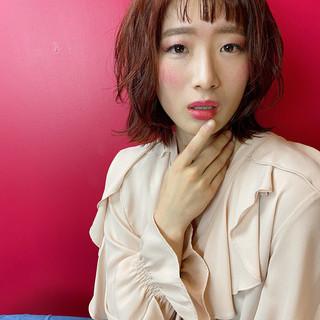 オレンジカラー ミディアム ガーリー 外ハネ ヘアスタイルや髪型の写真・画像