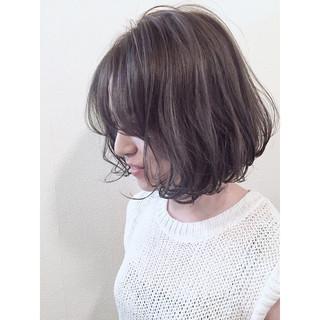 暗髪 ストリート グレージュ ハイライト ヘアスタイルや髪型の写真・画像