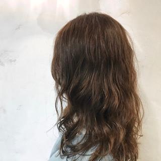 ロング パーマ エレガント ゆるふわパーマ ヘアスタイルや髪型の写真・画像