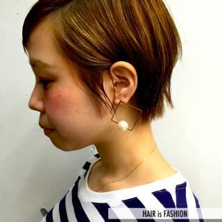 ベリーショート ショート 耳かけ ナチュラル ヘアスタイルや髪型の写真・画像 ヘアスタイルや髪型の写真・画像