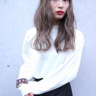 小顔 大人女子 透明感 グレー ヘアスタイルや髪型の写真・画像