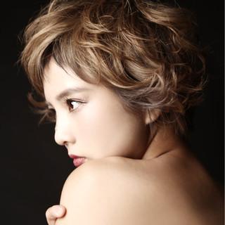 外国人風 グラデーションカラー ボブ 色気 ヘアスタイルや髪型の写真・画像