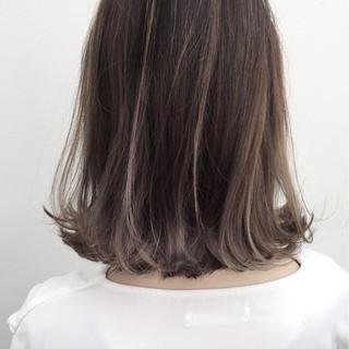 外ハネ バレイヤージュ 外国人風 ナチュラル ヘアスタイルや髪型の写真・画像